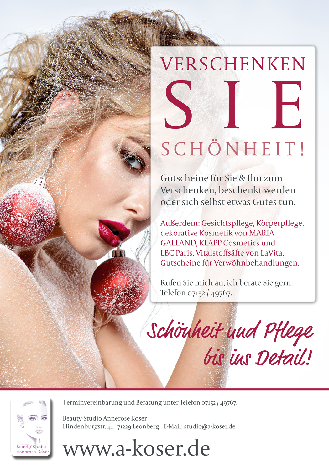 Flyer mit Frau in winterlicher Dekoration